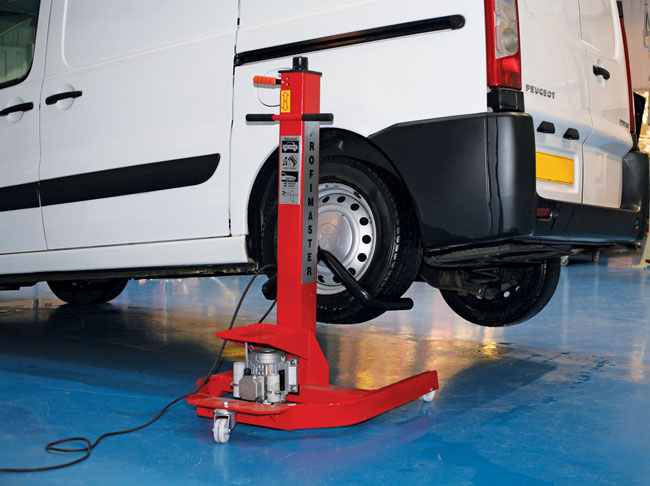 ~/items/xlarge/INSITU8 image of Power-TEC | 92340 | Mobi Lift Mk 2 UK Plug